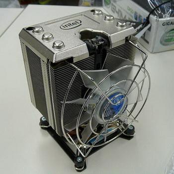 Intel%20thermal%20solution%20XTS100H%2001.jpg
