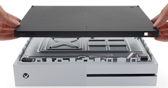 ifixit experts evaluated maintainability of xbox one s on 8 out of 10